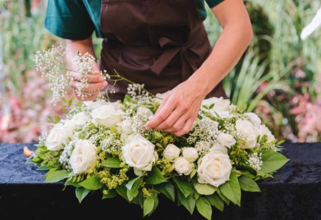 How Do Florists Work For Weddings?